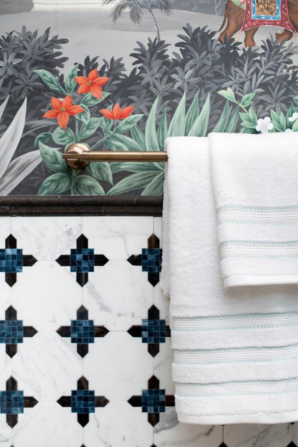 rterior-studio-santa-monica-bathroom-after-transformation-gold-towel-bar-by-brizo