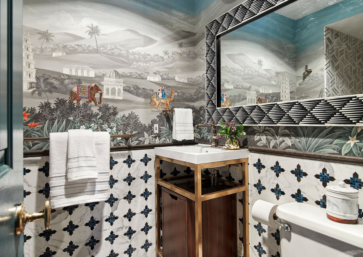 rterior-studio-downtown-la-gracie-handpainted-wallpaper-luxurious-bathroom-with-scenic-hand-paainted-wallpaper
